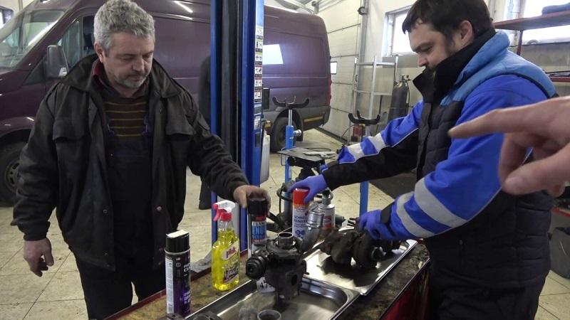 Лучшие средства для чистки двигателя автомобиля: ТОП-10