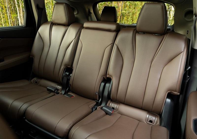 Салон Acura MDX 2022, задние сидения