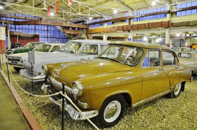 Старинные автомобили СССР