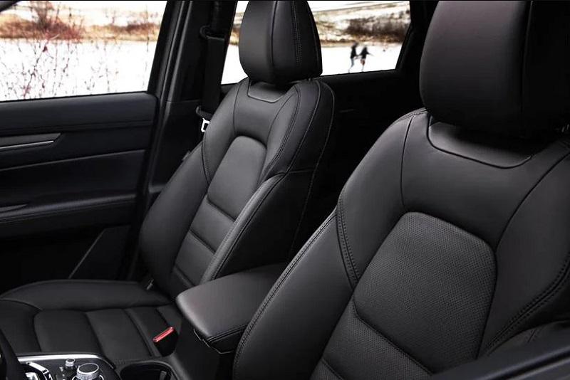 Салон Mazda CX-5 2021, передние сидения