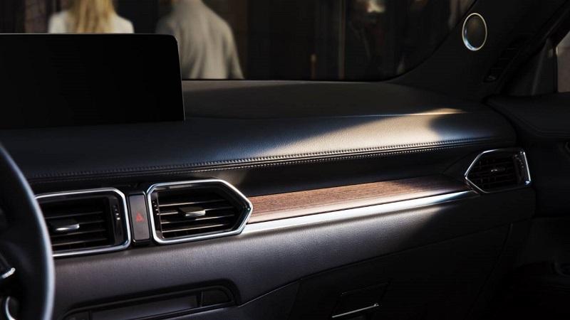 Салон Mazda CX-5 2021, элементы интерьера