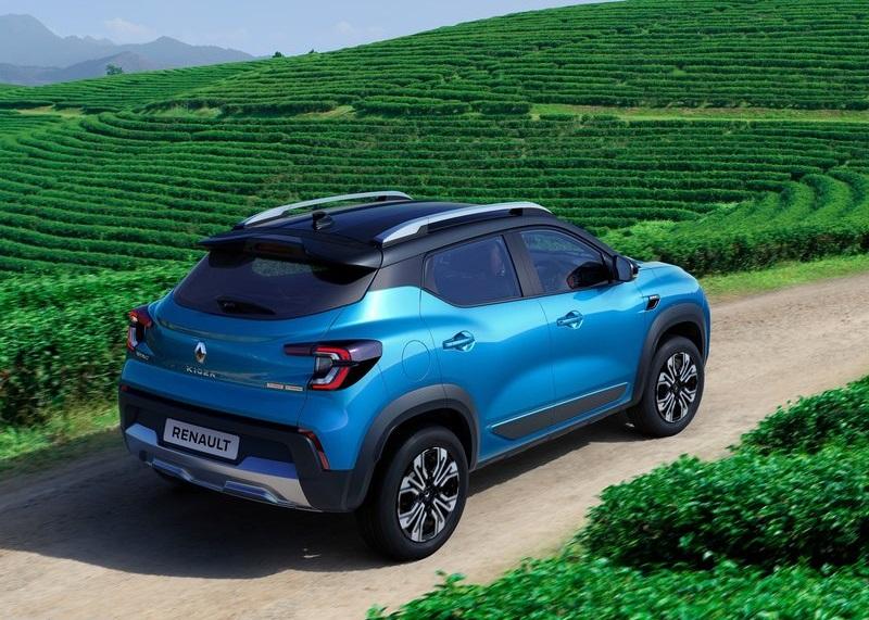 Renault Kiger 2022, вид сзади и сбоку справа