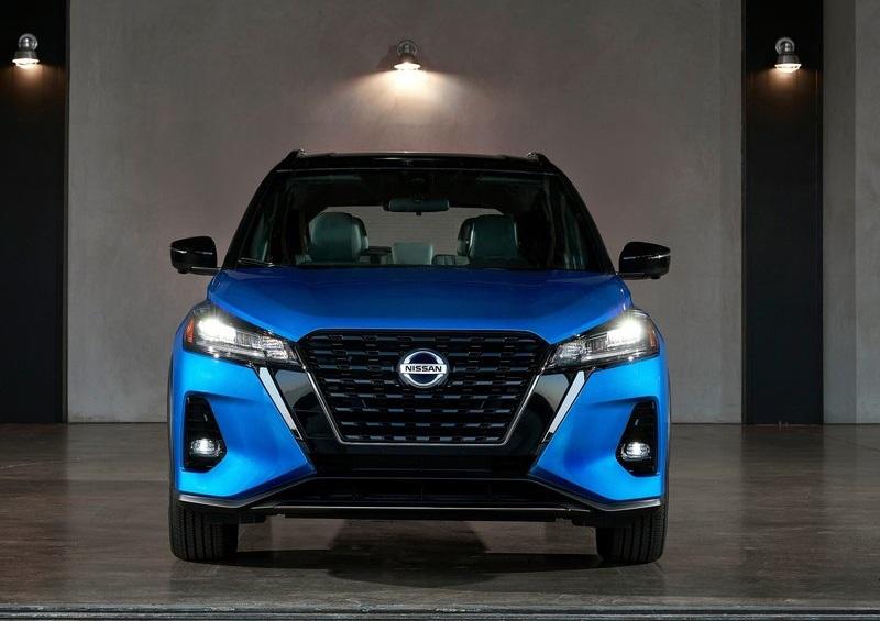 Nissan Kicks 2021, вид спереди