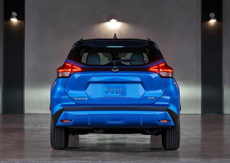 Nissan Kicks 2021, вид сзади
