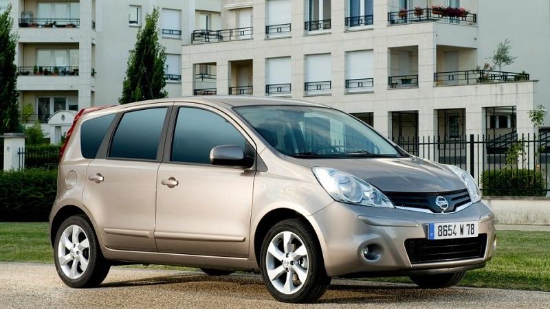 Самые экономичные японские автомобили: ТОП-10