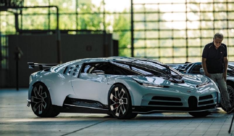 2021 Bugatti Centodieci (380 км/ч)