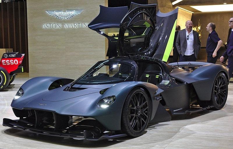 Aston Martin Valkyrie 2021 года (402 км/ч)