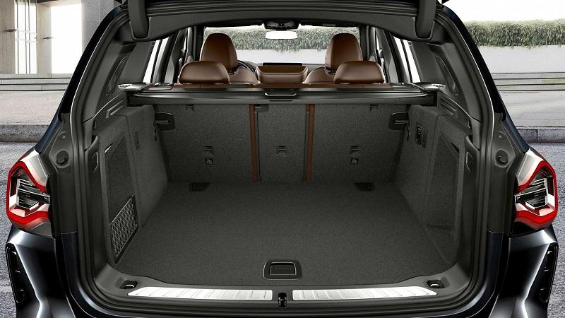 BMW iX3 2022, багажник