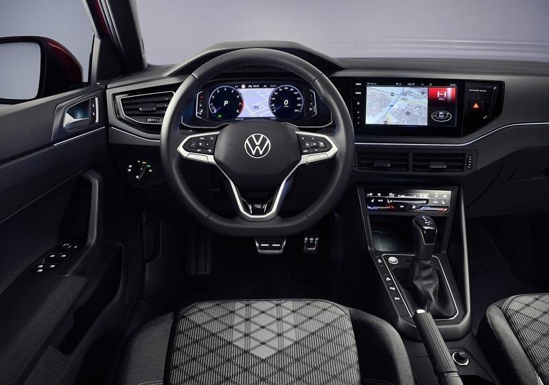 Volkswagen Taigo 2022, руль и панель управления