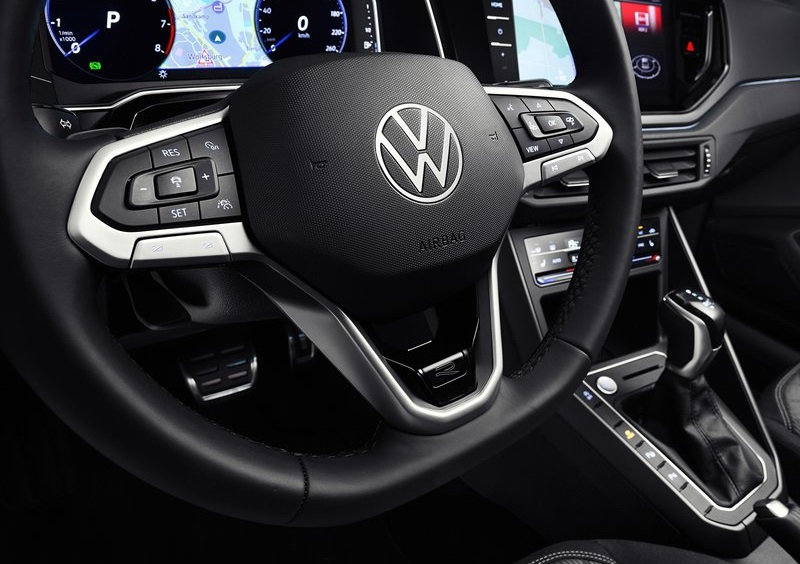 Volkswagen Taigo 2022, рулевое колесо
